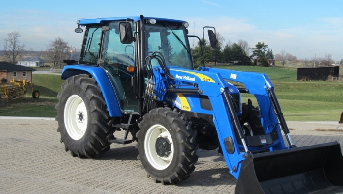 Трактор CASE New Holland T5050