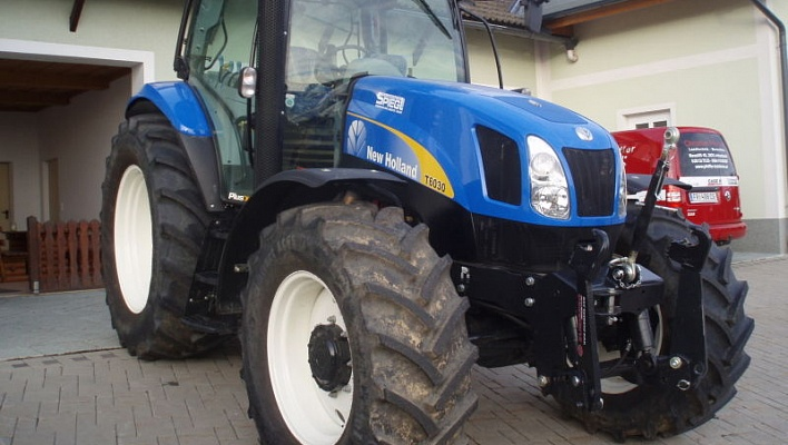 Трактор CASE New Holland T6030 Plus