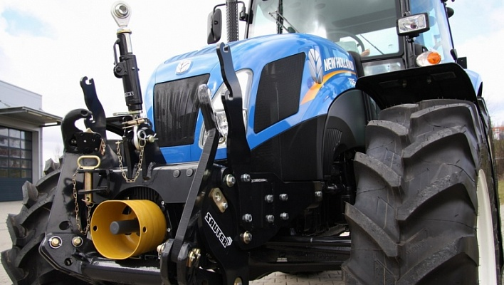 Трактор CASE New Holland TD5 110