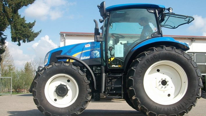 Трактор CASE New Holland T6020 Plus