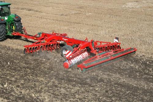 Лучшая сельхозтехника - на выставке и в курских полях.