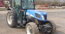 Трактор CASE New Holland T4030F