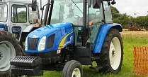 Трактор CASE New Holland T5030
